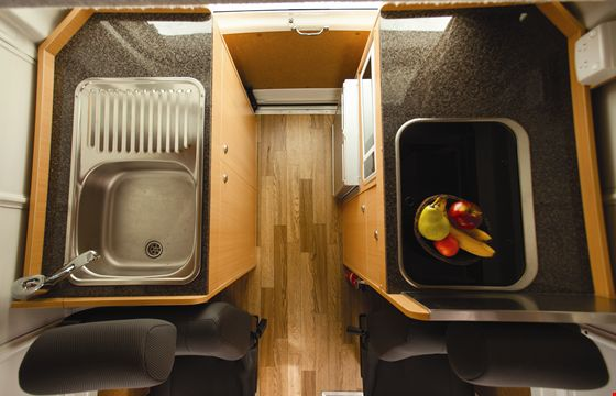 APAU_Endeavour-Camper-Internal-Photo-8